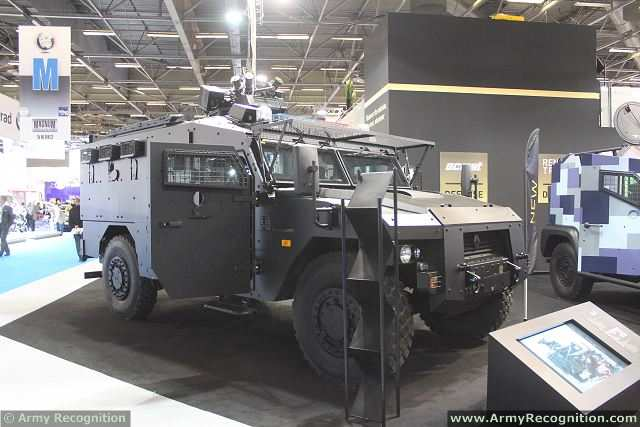 Renault Trucks Defense presents for the first time during Milipol 2013, a new member of the Sherpa 4x4 armoured vehicle, the APC (Armoured Personnel Carrier) XL. The Sherpa APC XL is able to carry 10 military of police personnel into a hostile situation or establishing an armored mobile command center.