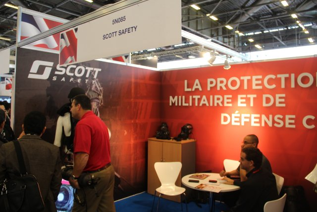 Scott Safety is presenting its new CBRNE respiratory unit Hybrid Patriot at Milipol 2015 640 002