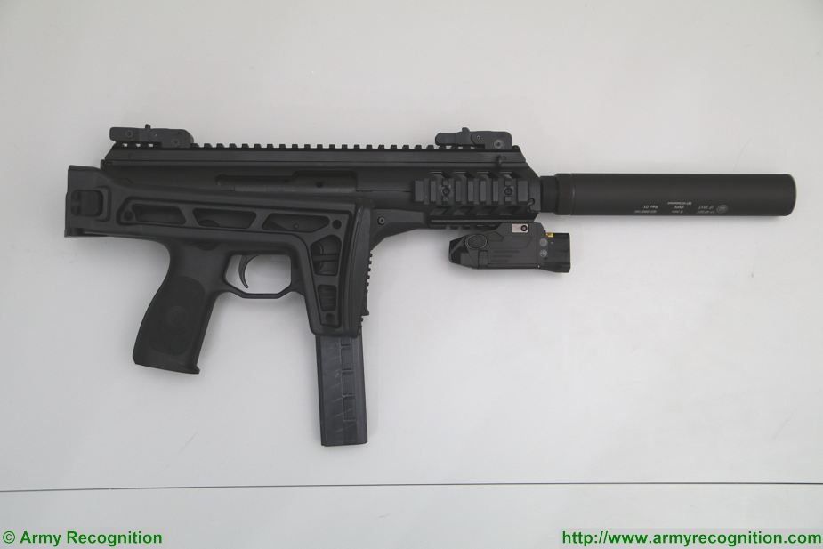 New Beretta PMX 9mm caliber sub machinegun at Milipol Paris 2017 Homeland Security exhibition France 925 002