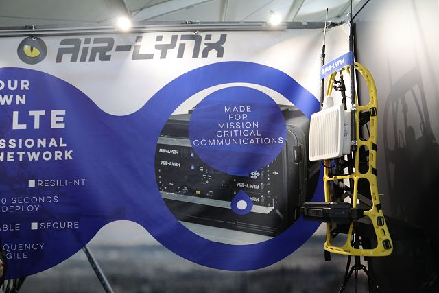French Company Air Lynx presents the first portable manpack 4G network solution at SOFINS 2017 640 001
