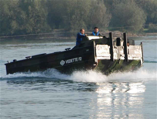 the new cefa combat support boat vedette f2 enters in