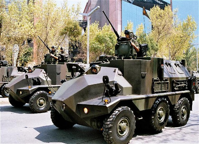 Ejército Mexicano Panhard_VCR_wheeled_armoured_fighting_vehicle_640