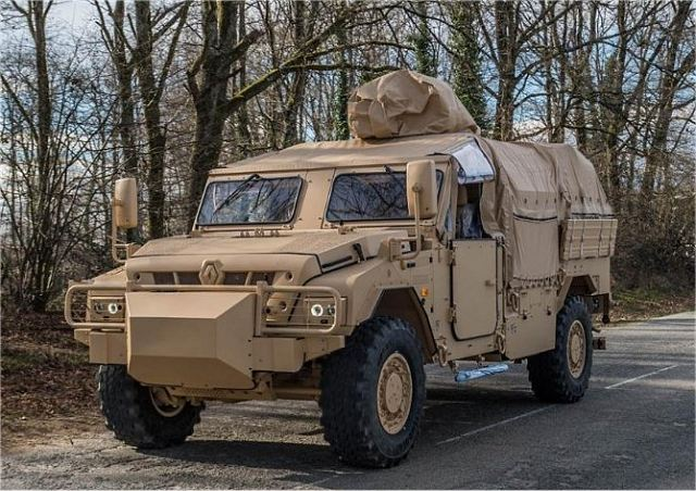 PLFS livré !  VLFS_Vehicules_Lourds_Forces_Speciale_Special_Forces_Heavy_Vehicle_Renault_Trucks_Defense_France_French_army_640_002