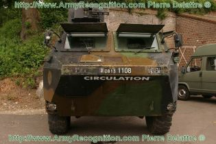 VAB Renault wheeled armoured vehicle personnel carrier technical data sheet specifications information description intelligence identification pictures photos images video France French Defence Industry army military technology