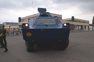 VXB 170 Berliet Renault 4x4 APC wheeled armored vehicle personnel carrier France front view 001