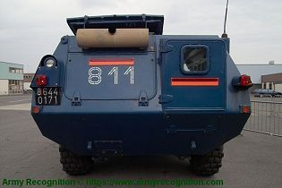 VXB 170 Berliet Renault 4x4 APC wheeled armored vehicle personnel carrier France rear view 001