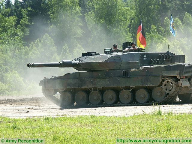 https://www.armyrecognition.com/images/stories/europe/germany/main_battle_tank/leopard_2a5/pictures1/Leopard_2A5_main_battle_tank_German_Germany_army_KMW_military_equipment_defense_industry_007.jpg