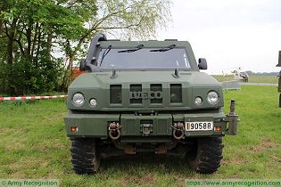 LMV LAV IVECO Defence Vehicles 4x4 light multirole wheeled armoured vehicle Italy Italian defense industry front view 002