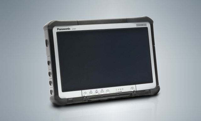 To ensure this new Toughbook Diagnostic Tablet CF-D1 has the power to fulfil its industrial purpose, it uses the latest second-generation Intel® Core™ Platform and runs the Windows® 7 Professional operating system. For convenient use by engineers, the device can be used in a docking cradle with a flexible angle to allow easy viewing in various usage scenarios. The device can also be held with the addition of an optional hand strap or attached to extendable legs, which allow the device to stand alone, alongside the engineer.