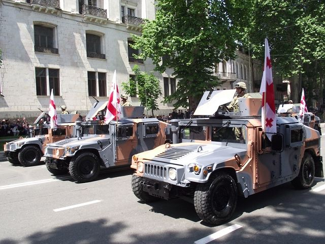 a model HMMWV M1151 (High Mobility Multipurpose Wheeled Vehicle), transportation of high mobility, the model 1151 with heavy armor, the purpose - the transportation of personnel to the battlefield, export and escort. There are more than 15 modifications.