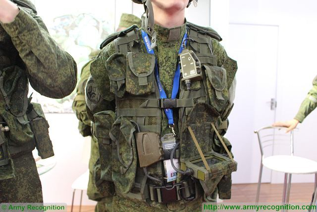 Ratnik combat gear - Page 6 Communication_Observation_System_Ratnik_Radioavionica_KADEX_2016_defense_exhibition_Astana_Kazakhstan_002