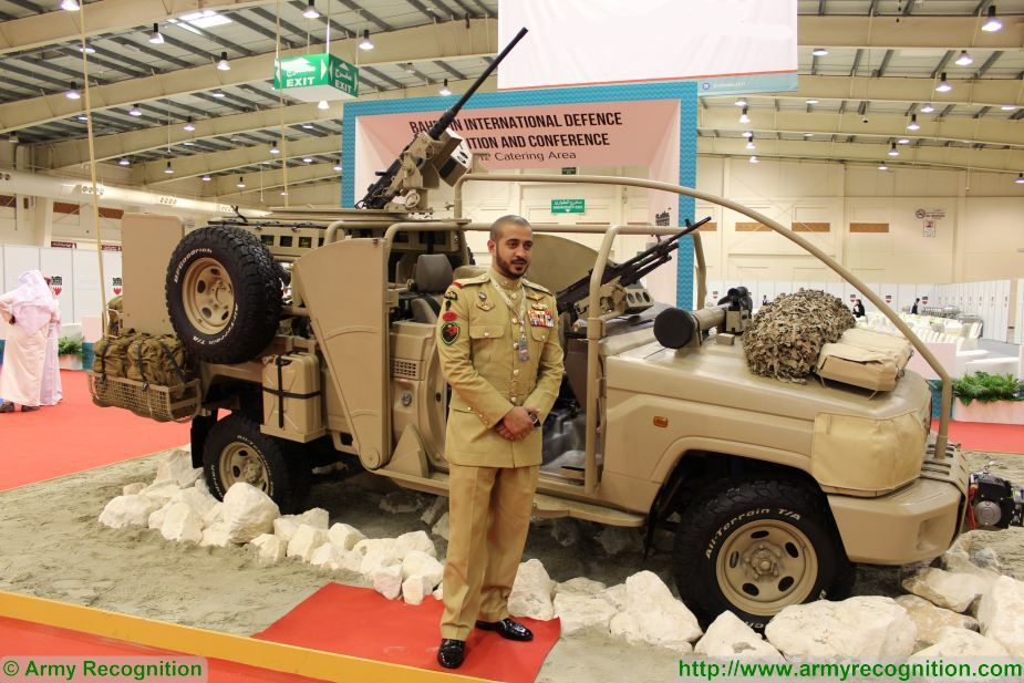 His Highness Sheikh Khalid Bin Hamad Al Khalifa front of the Theeb Special Forces vehicle BIDEC 2017 Bahrain 925 001