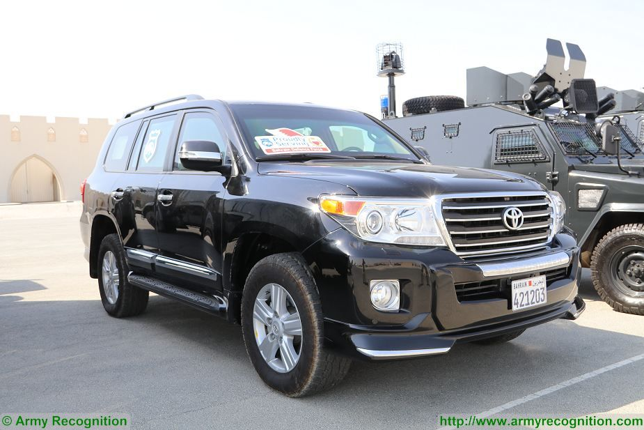 Toyota Land Cruiser GXR armoured vehicle Bahrain Defence Force Streit Group BIDEC 2017 925 001