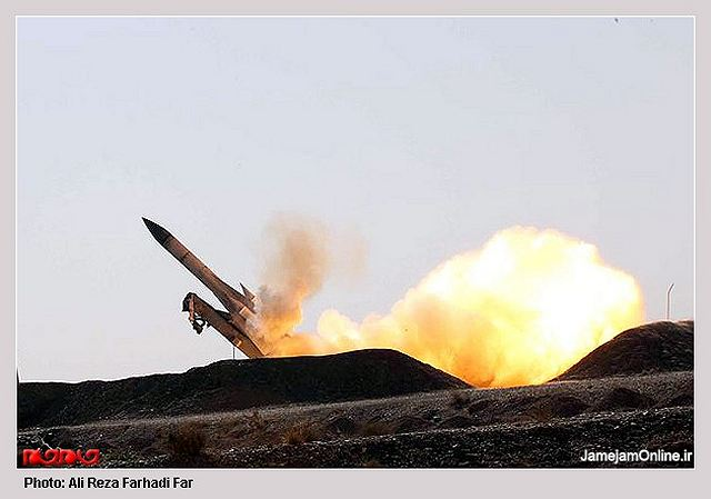 Iranian defense experts are modifying certain features of S-200 anti-aircraft missile system to give it a dual use to hit both high and mid-altitude targets, Commander of Khatam ol-Anbia Air Defense Base Brigadier General Farzad Esmayeeli announced.