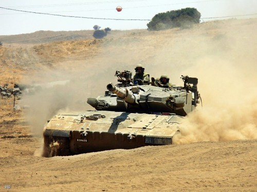 http://www.armyrecognition.com/images/stories/middle_east/israel/main_battle_tank/merkava_2/pictures/Merkava_2_II_main_battle_tank_israeli_army_israel_010.jpg