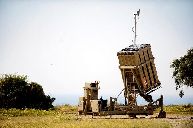 The fifth missile defense battery, which was installed during Operation Pillar of Defense, has so far been operated by reservists. The Air Defense Formation is preparing to begin assigning soldiers in their regular service to operate the newest battery of the Iron Dome anti-missile defense system, which has so far been operated by IDF reservists.