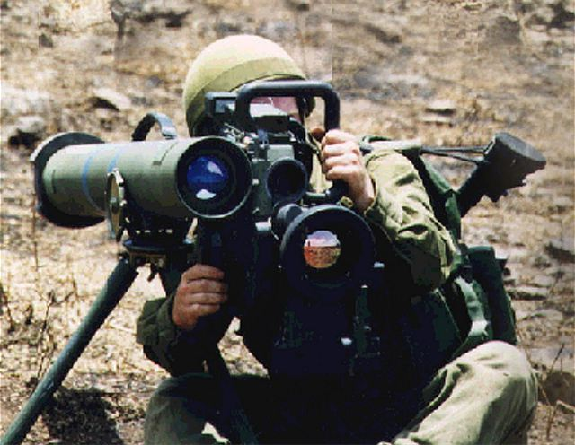 The Belgian Minister of Defence approved December 10, 2012, a budget for the purchase of 66 new anti-tank missile systems for an amount of 41 million Euro. This is the German Company Eurospike that won the contract with its anti-tank and anti-fortifications missile Spike Medium-Range (MR).