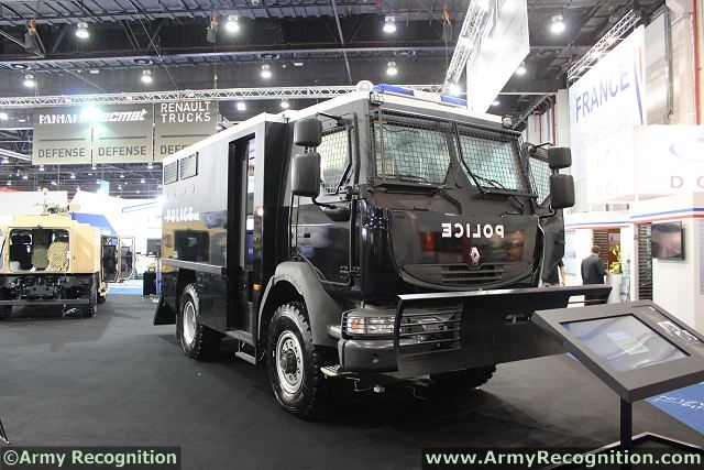 The MIDS - Security and Public Order Vehicle - is specially designed for public order and internal security missions. Offering a high degree of armored protection in its category, it carries up to 12 officers in an urban and rural setting.