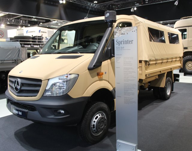 mercedes benz unveils new sprinter 4x4 crew transport vehicle with variable usage concept at idex. Black Bedroom Furniture Sets. Home Design Ideas