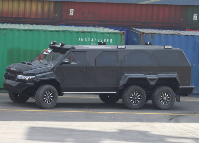 A new big one from Streit Group unveiled at IDEX 2015 the Hunter 6x6 640 001