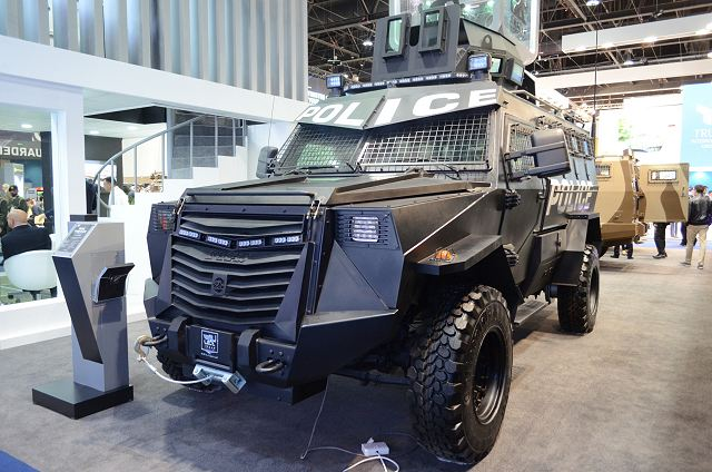 Titan V APC 4x4 armoured vehicle personnel carrier INKAS UAE defense industry 640 001