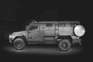 Titan DS 4x4 SWAT TEAM armored vehicle INKAS UAE 925 left side view 001