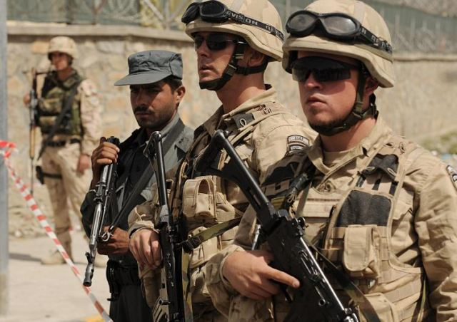 Belgium's Defense Minister Pieter De Crem on Sunday proposed to halve the belgian troop numbers in Afghanistan by next year.