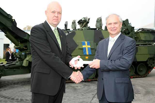 "Rheinmetall Defence has handed over the first ""Kodiak"" AEV 3 S armoured engineering vehicle to the Swedish armed forces procurement agency (FMV, Försvarets Materiel Verk). At an official ceremony in Kiel, Harald Westermann, Member of the Executive Board of Rheinmetall Landsysteme GmbH of Kiel, presented the symbolic vehicle keys to Stefan Grann, Head of Vehicles and Engineering Equipment Office at FMV (Swedish Defence Materiel Administration)."