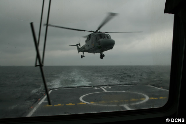 DCNS has achieved formal qualification of the FREMM frigate Aquitaine's flight deck for operations with the Lynx helicopter. This milestone was reached several months ahead of schedule after a successful deck landing campaign at sea, organised by the French defence procurement agency (DGA) in early February. Trials were conducted with a Lynx helicopter operated by the French Navy.