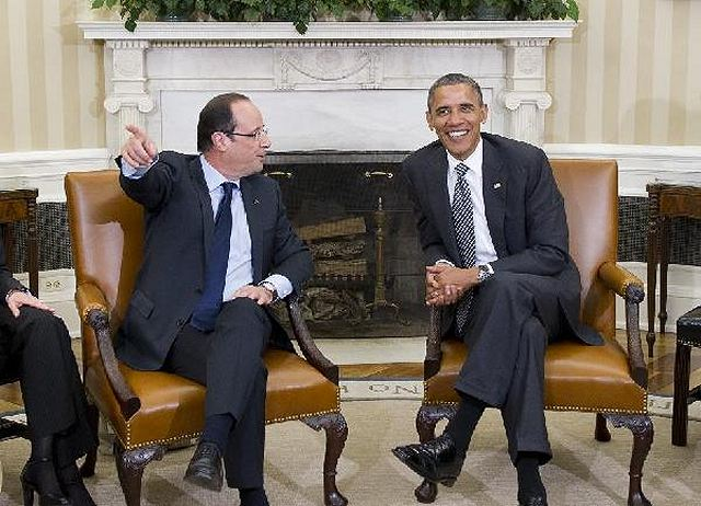 "Visiting French President Francois Hollande said at the White House on Friday that he stood by the pledge to withdraw French forces from Afghanistan by the end of 2012. ""I recalled to President Obama that I had made a promise to withdraw our combat troops from Afghanistan at the end of 2012,"" Hollande said after meeting with U.S. President Barack Obama."