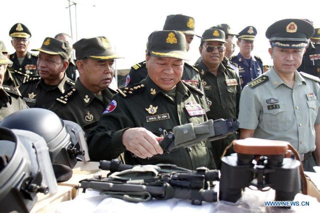 EJERCITO DE CAMBOYA China_to_deliver_military_trucks_and_equipment_to_army_of_Cambodia_640_001