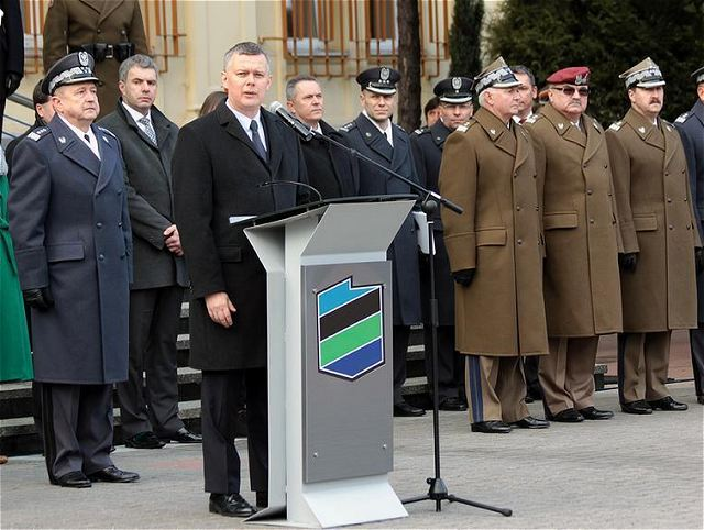 Armée Polonaise Poland_changes_the_structure_of_its_armed_forces_to_response_to_the_threats_to_Poland_security_640_001