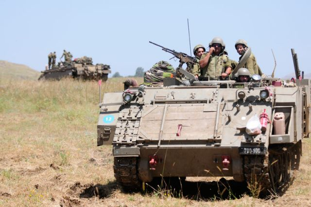 As reported by Israel Defense, BAE and IMI have jointly offered IDF a project involving the acquisition of extended and upgraded M-113 Armored Personnel Carriers, fitted with an active protection system and passive and reactive protection The need for the prompt renewal of at least a portion of the IDF APC fleet is one of the significant lessons derived from the fighting in the Gaza Strip.