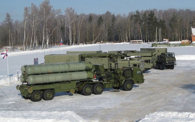 New S-400 Triumf air defense systems will be supplied to 12 missile regiments of Russia's Aerospace Defence Forces by 2020, their spokesperson, Colonel Alexei Zolotukhin said on Monday, September 29. Until the end of this year, four S-400 regiments will be protecting Moscow and the Central Industrial District of Russia, he said.