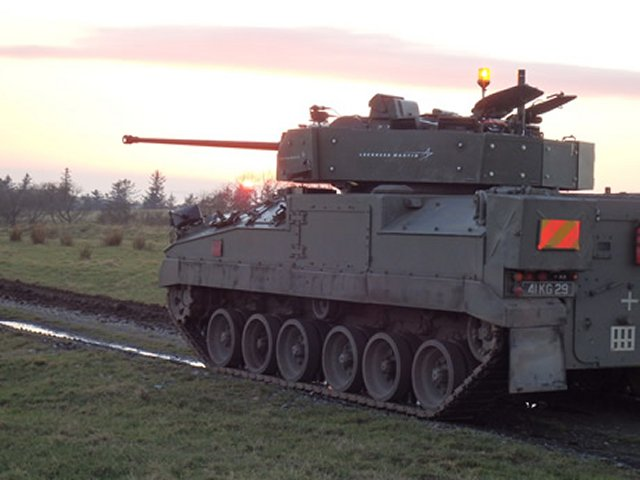 British Army s Warrior IFV demonstrates firepower and fighting capability during firing trials 640 001