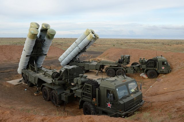 Almaz Antey plans to deliver five regiment size S 400 air defense missile system to Russia in 2016 640 001