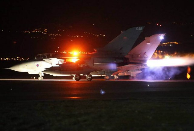 British Tornado fighter jets performed first-airstrike in Syria on IS targets 640 001