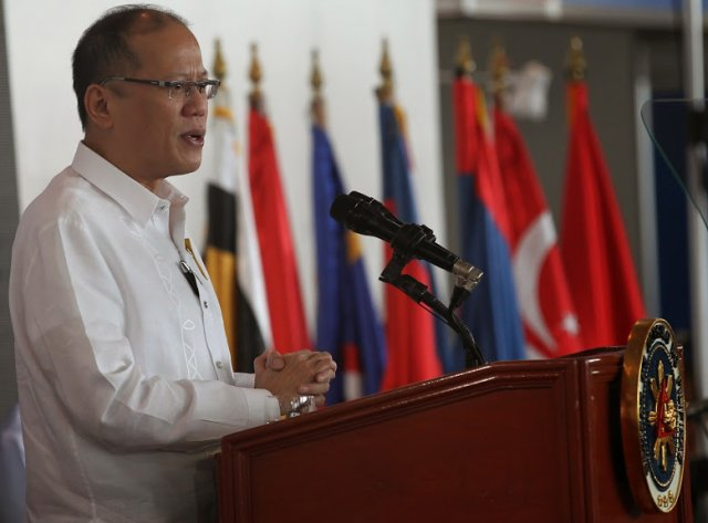 Philippine signed its biggest budget agreement valued at  63 billion for 2016 640 001