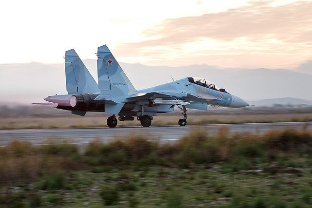 Russia will continue testing the latest types of weapons in its operation against the Islamic State terrorist group /IS, banned in Russia/ in Syria. Testifying to this are numerous statements made by Russia's military and political leaders on the eve of the New Year.