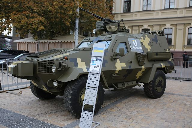 The newest 4x4 armoured vehicle Dozor-B ready to enter in service with Ukrainian armed forces 640 001