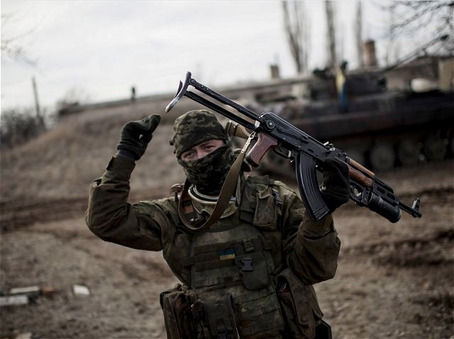 Fighting intensifies in eastern Ukraine between Pro-russian fighters and Ukrainian troops 640