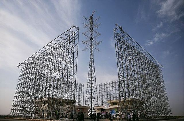 Iran_has_installed_new_home-made_radar_system_Sepher_Sky_able_to_monitor_all_the_country_640_001.jpg