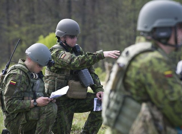 Lithuania sends first team of instructors in Ukraine 640 001