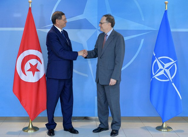 NATO and Tunisia take defence cooperation forward 640 001