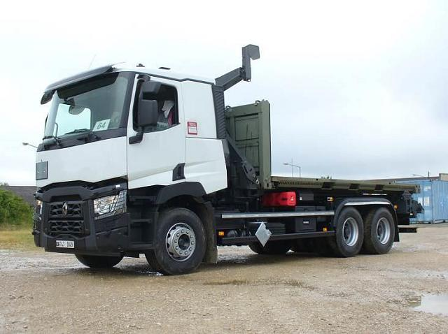 new euro vi trucks of renault trucks defense enter in service with the french armed forces. Black Bedroom Furniture Sets. Home Design Ideas