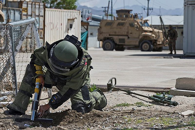 Australia to train Afghan soldiers with Explosive Ordnance Disposal and IEDs Defeat courses 640 001
