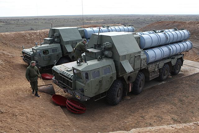 Turkey is still considering purchasing Russia's S-300 air defense missile system , a senior Russian defense industry official said at IDEF 2015, the International Defense Industry Fair which was held in Istanbul (Turkey) from the 5 to 8 May 2015.