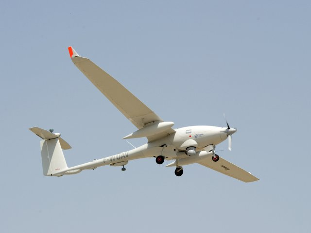 Sagem and AOI Aircraft Factory sign agreement to promote Patroller UAV in Egypt 640 001