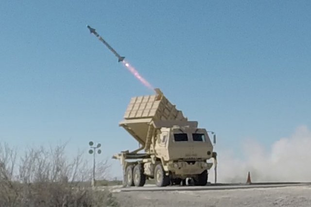 US_Army_fired_Hellfire_missile_from_the_