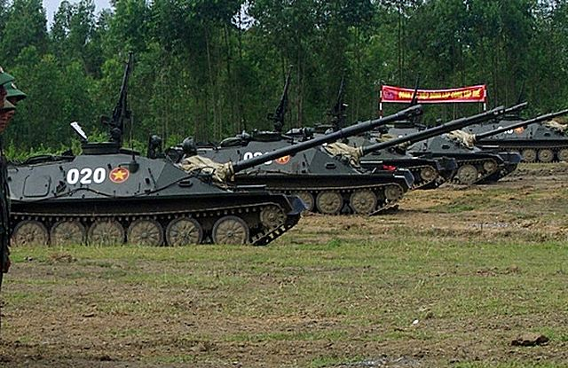 Vietnamese army back into service the old Soviet-made ASU-85 self-propelled anti-tank gun 640 001
